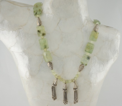 "Collier ""Simbad""  Argent massif & Préhnites a inclusions d'Epidote"