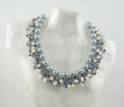 "Collier  ""Star night"", Argent, Perles blanches, grises & Cristal"